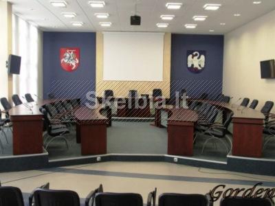 Konferencijų salių baldų projektavimas ir gamyba